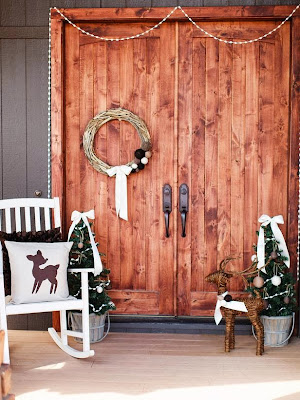 8 Easy Front Porch Holiday Decorating Ideas