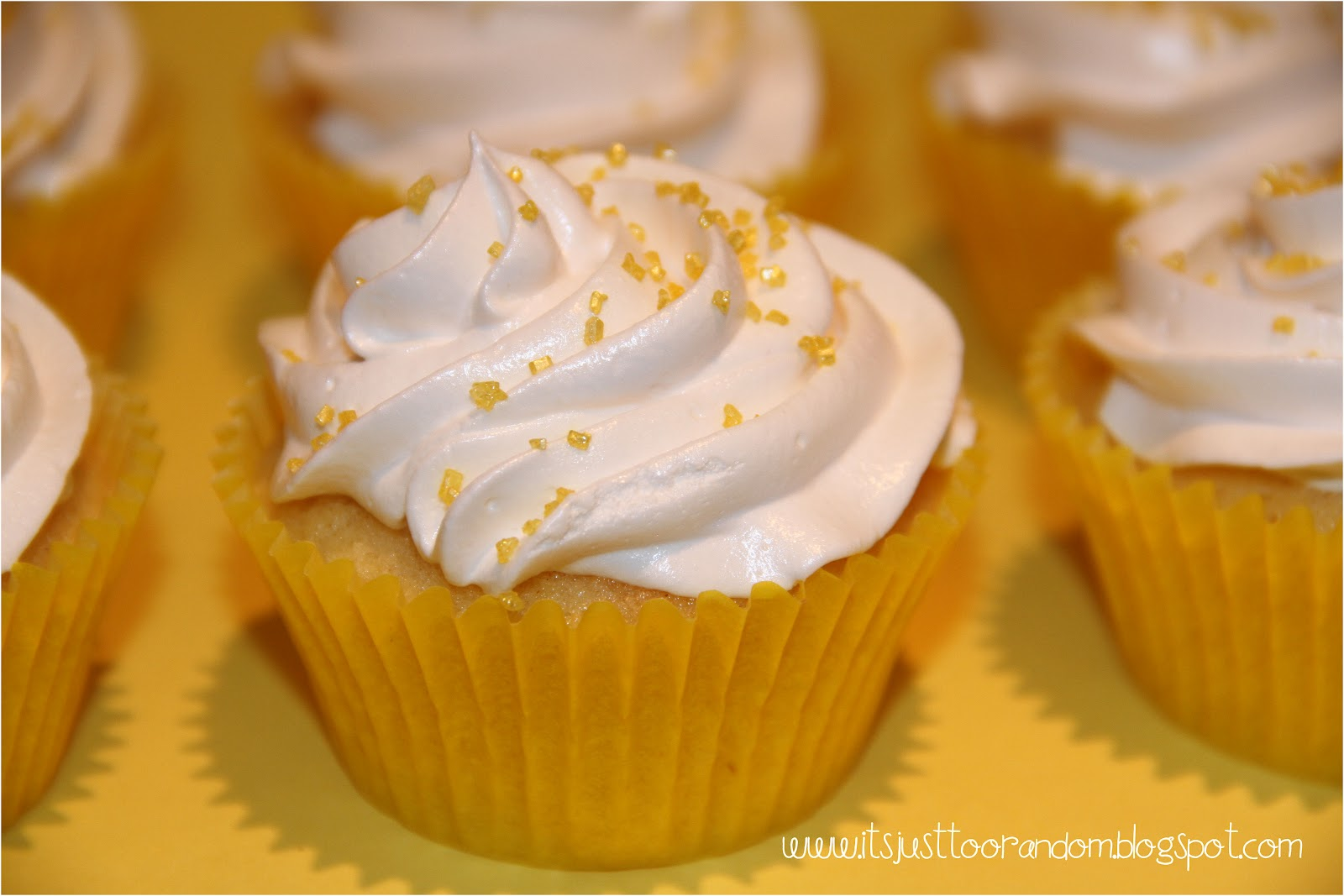wanted to try and make Lemon Meringue Cupcakes for a while now