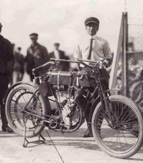 First Harley Davidson Motorcycle Photo - Old Photos