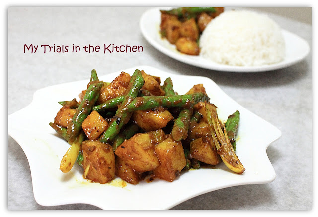 My Trials in the Kitchen: Simple Dry Potatoes Curry with Long Beans