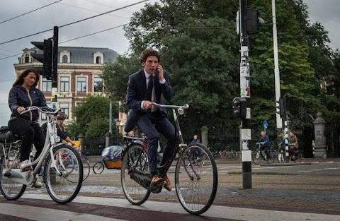 sepeda dengan bak