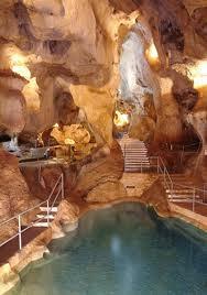 Sala de los lagos una de las mayores salas Cueva del Tesoro
