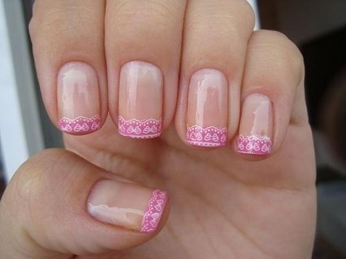 Uñas Decoradas color rosa, diseño muy sencillo pero bonito para usar