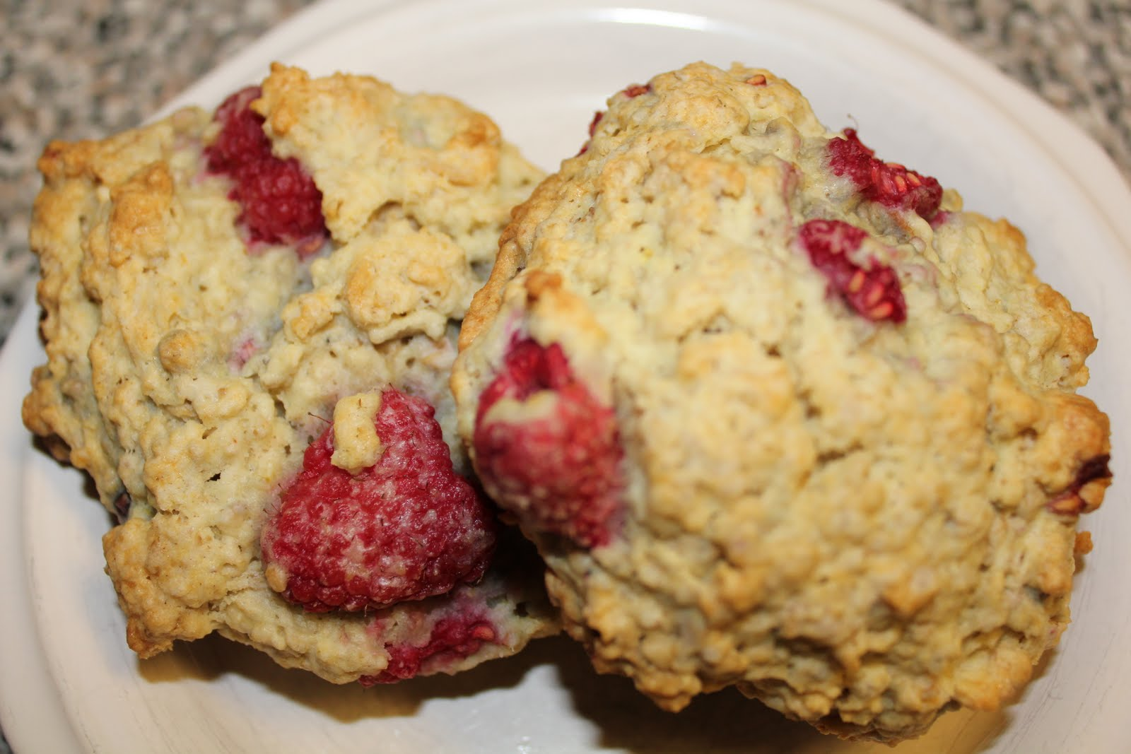 Counting My Cupcakes: Oatmeal Raspberry Chocolate Chip Scones