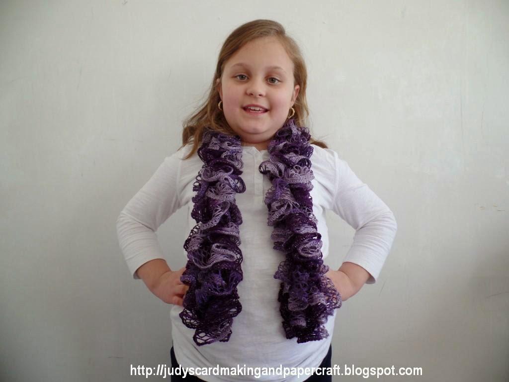 http://2.bp.blogspot.com/-cUVYhnAuJYM/VOEkag9h-bI/AAAAAAAAG8E/2ep3eDPbzkU/s1600/crochet%2Bfrilly%2Bscarf%2B1.jpg