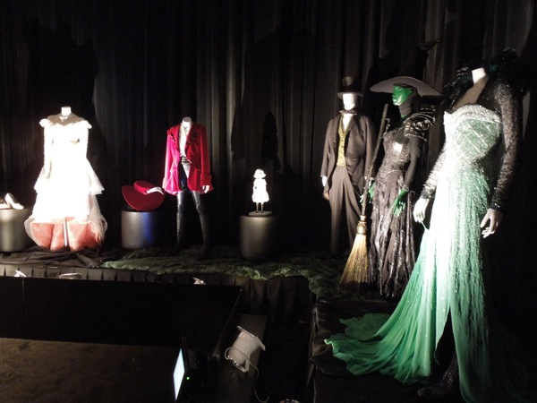 Oz The Great and Powerful film costumes