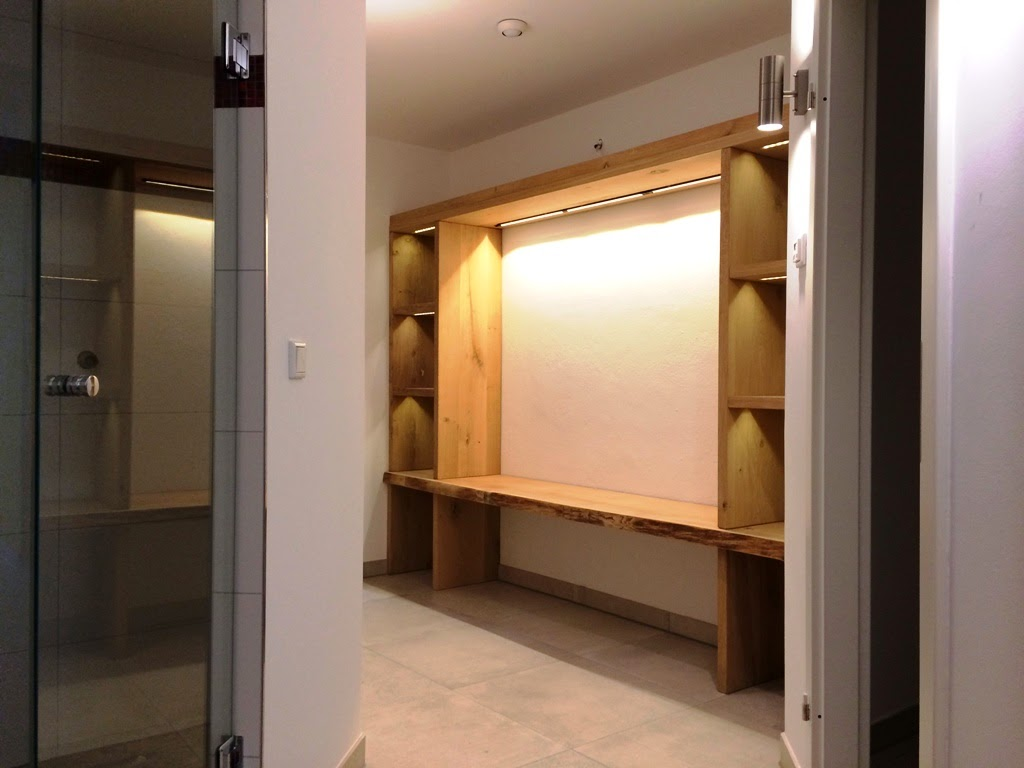 Spa und wellness interwellness garderobe aus massiver eiche for Garderobe massiv