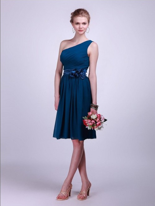 Basic Necklines of Bridesmaid Dresses