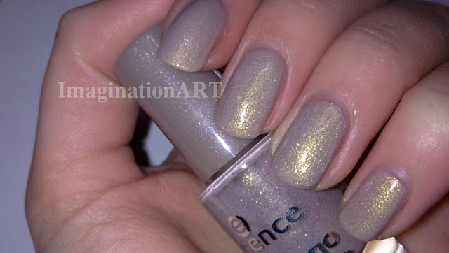 Essence_n°50_Irreplaceable_linea_Colour&Go_color_and_go_swatches_swatch_smalto_nail_polish_laquer_unghie