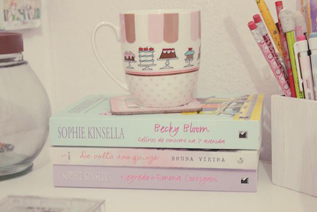 Tour Pelo O Meu Quarto Cor De Rosa ~ nicho, por isso os livros novos est?o aqui do meu ladinho (s? o De