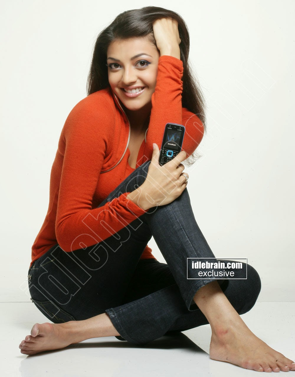 Spicy Kajal Agarwal Unseen Hot HQ Pics with Nokia Mobile