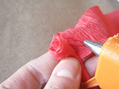 how to make roses with crepe paper