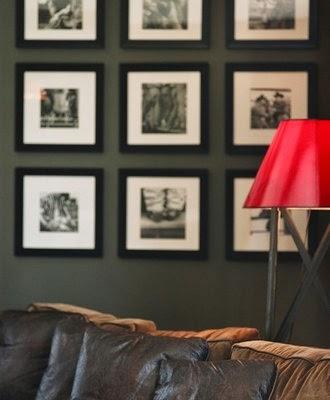 ... di Architettura e Design di StudioAD: Disporre i quadri alle pareti