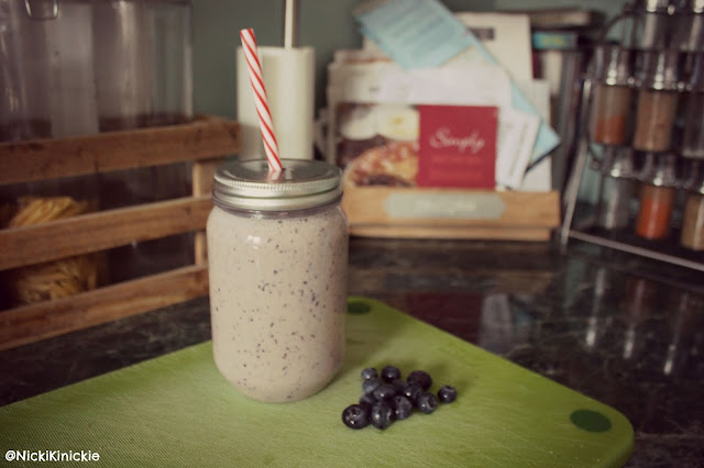 Smoothie, recipe, healthy eating, losing weight, clean eating, banana and blueberry, lbloggers,