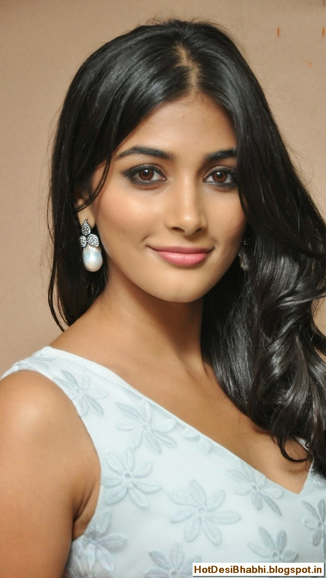 Pooja Hegde Latest Hot Photos