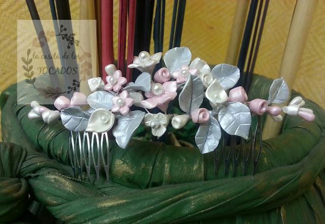 tocado de porcelana para novia en porcelana fría y perlas