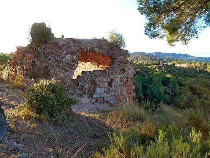Les restes del Castell de Rosanes