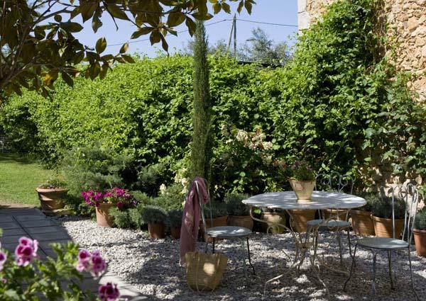 Hotel rural de luxe cerca de Barcelona comedor de jardin
