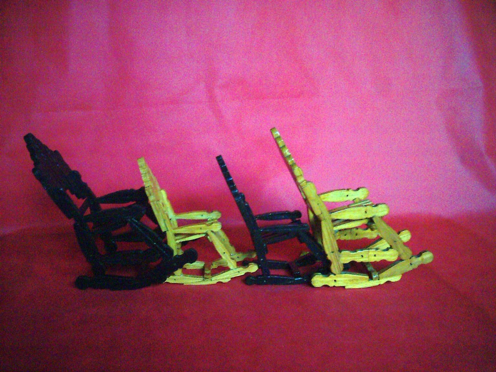 #AC1F70 ARTESANATOS COM PRENDEDORES DE ROUPAS: Fevereiro 2012 1600x1200 px cadeira de balanço com pregador @ bernauer.info Móveis Antigos Novos E Usados Online