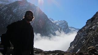 anapurna-base-camp-montaña-niebla