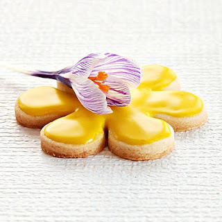 spring sugar cookies | roxanashomebaking.com