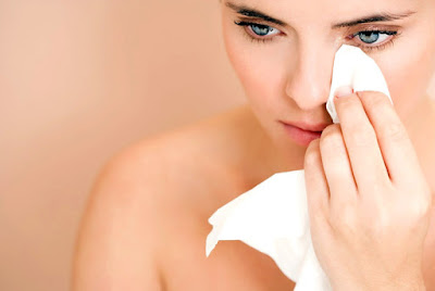 6 remedies to relieve the redness in the eyes