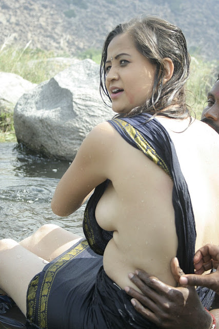 Hot Indian Bhabi Showing Boobs