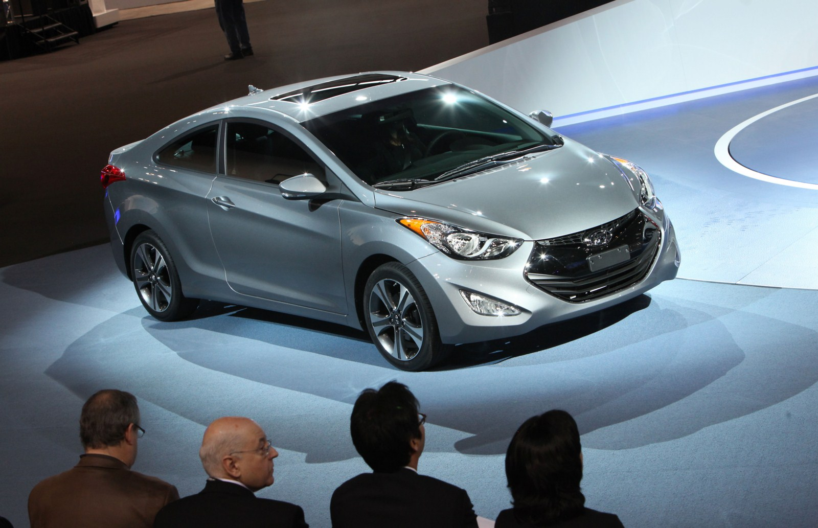 2013 Hyundai Elantra Coupe first live video-Garage Car