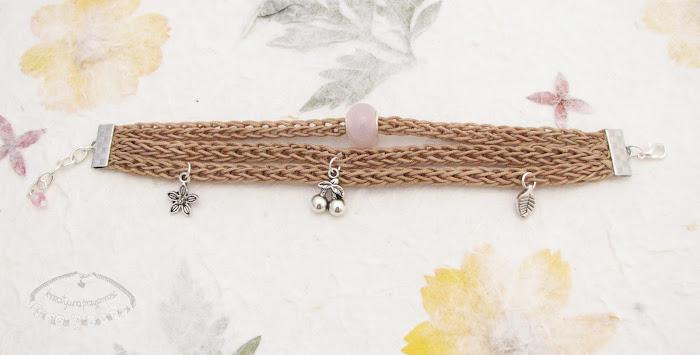 Bransoletki wyplecione z nylonowego połyskliwego sznurka 3