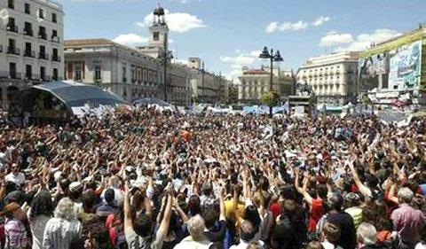 Espanha rebelde: OS INDIGNADOS CONTRA O SISTEMA NÃO ARREDAM PÉ
