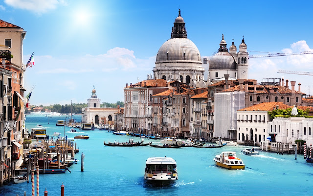 Stunning Blue Venice Cityscape Boats HD Wallpaper