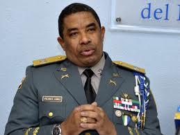 Hay dos generales y varios coroneles rastreando el sur del país en busca asesinos de oficial