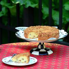 Rhubarb-Almond Crumb Cake