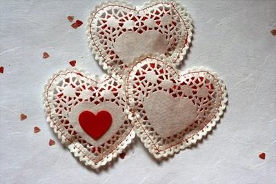 make Paper doilly hearts for valentines