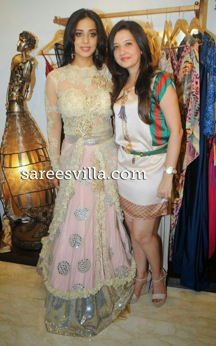 Actress Mahi Gill and designer Amy Billimoria