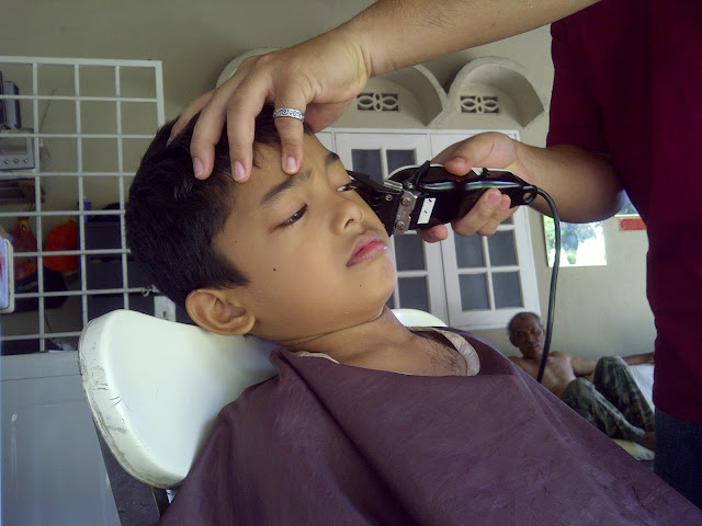 Gunting Rambut Sendiri