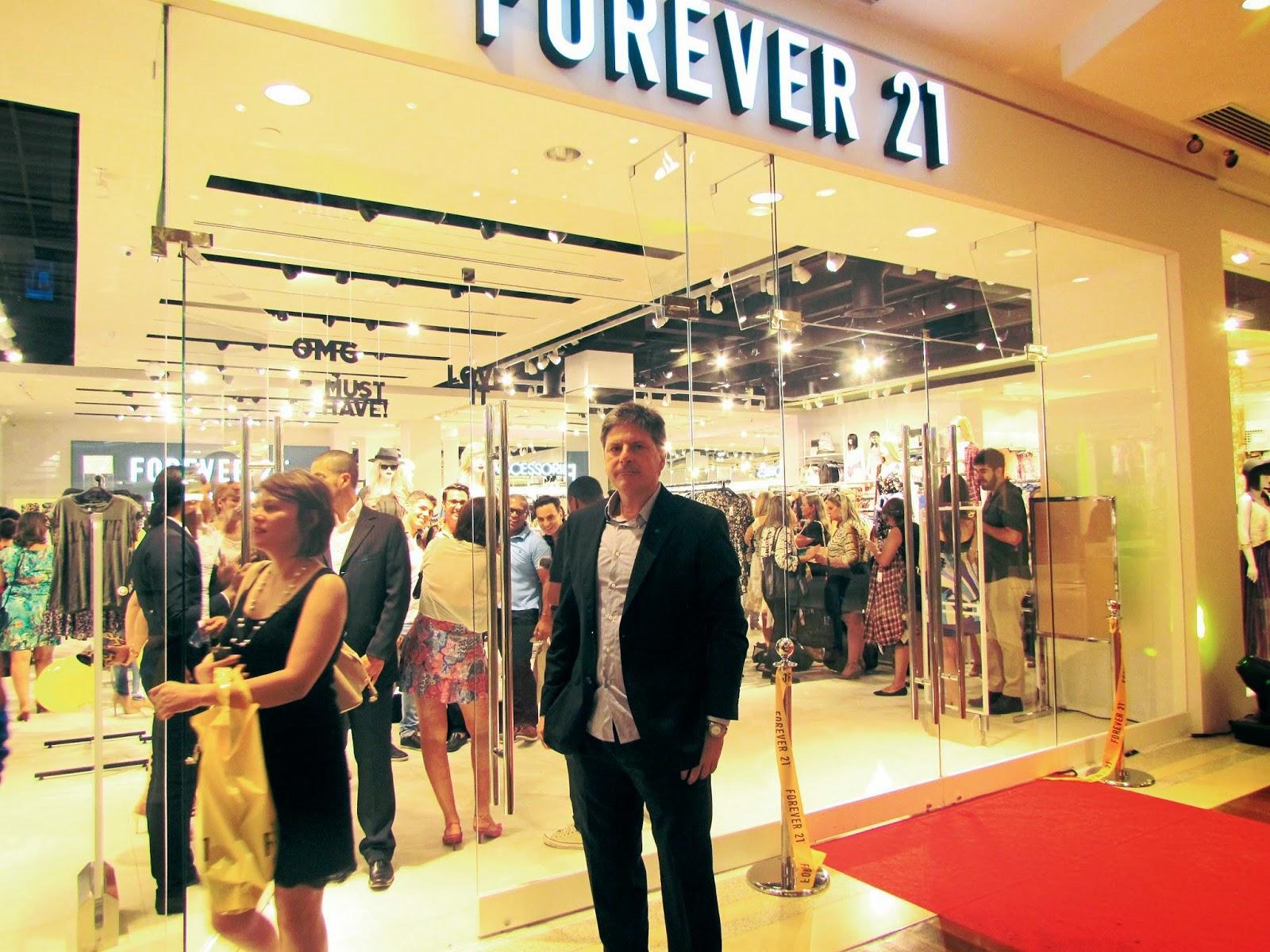 Forever 21 inaugura em Brasília
