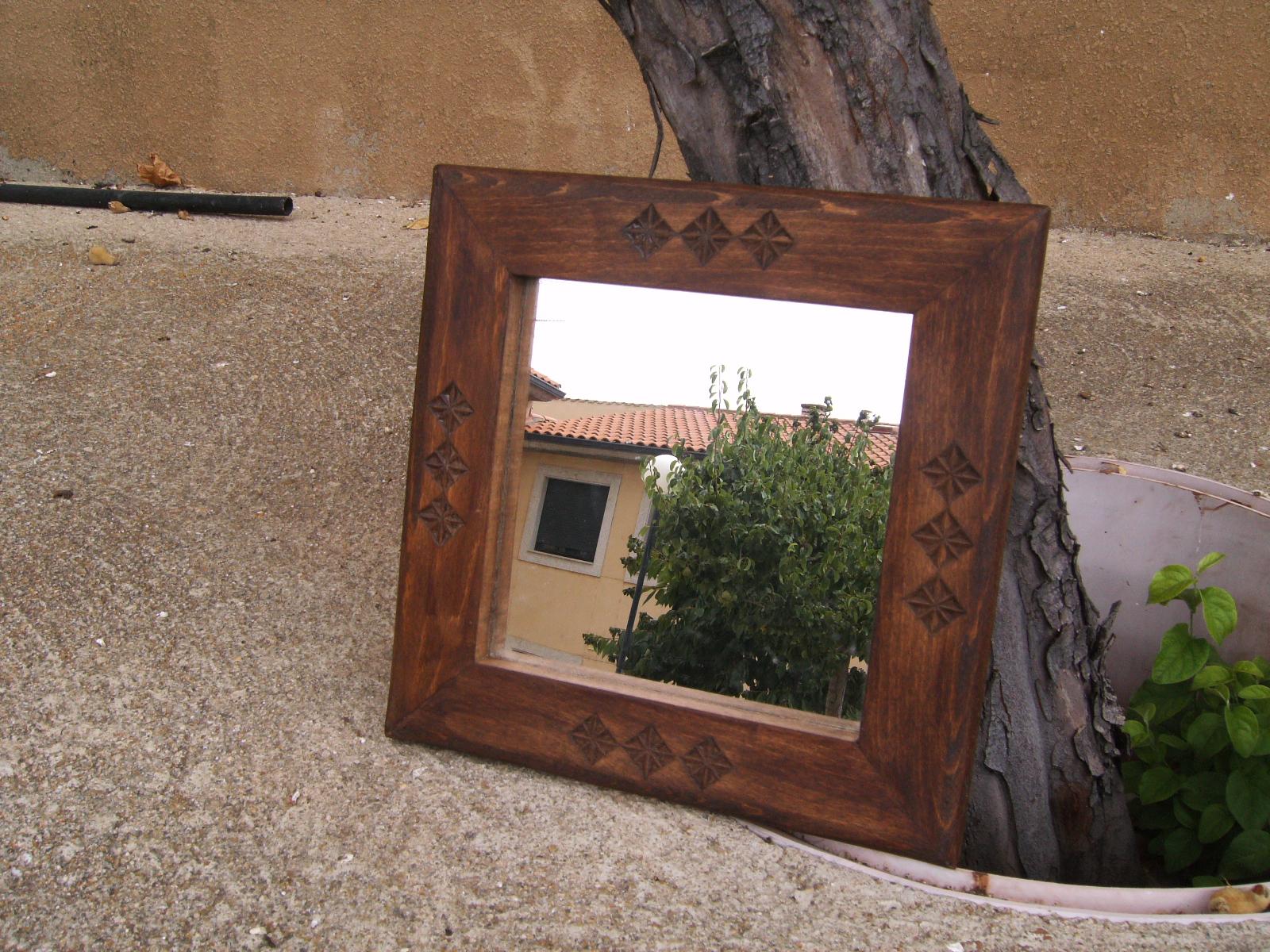 Espejo peque o de madera talla pastoril for Espejos de madera