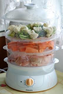 broccoli, conopida, morcovi si pui la steamer