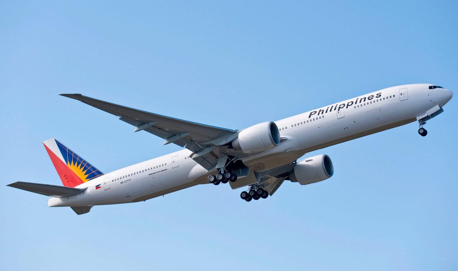 http://2.bp.blogspot.com/-cZngJqaroBw/UDzi4DcaMBI/AAAAAAAALTg/yVEb02WeRHc/s1600/boeing_777-300er_phillipine_airlines_first_livery.jpg