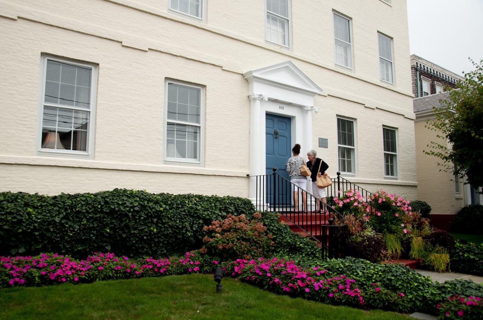 Viata in america din perspectiva unui roman pe coasta de for Casa coloniale americana