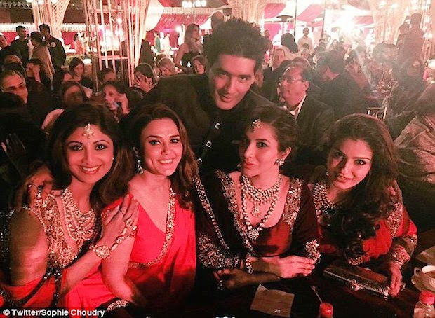 Bollywood Celebrities.. on Sanjay Hinduja's Wedding Night udaipur