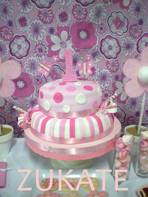 Bautismo Decoracion Nena ~ La torta toda rosa con flores y mariposas