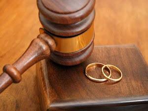 """Hombre se divorcia de su esposa por su """"insaciable apetito sexual"""""""
