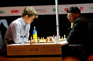 Échecs en Norvège : Magnus Carlsen (2868) 1/2 Viswanathan Anand (2783) © Site officiel