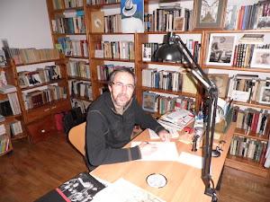 Entrevista ligera (Publicada en la Revista LITERARIAS, 13 de agosto de 2012)
