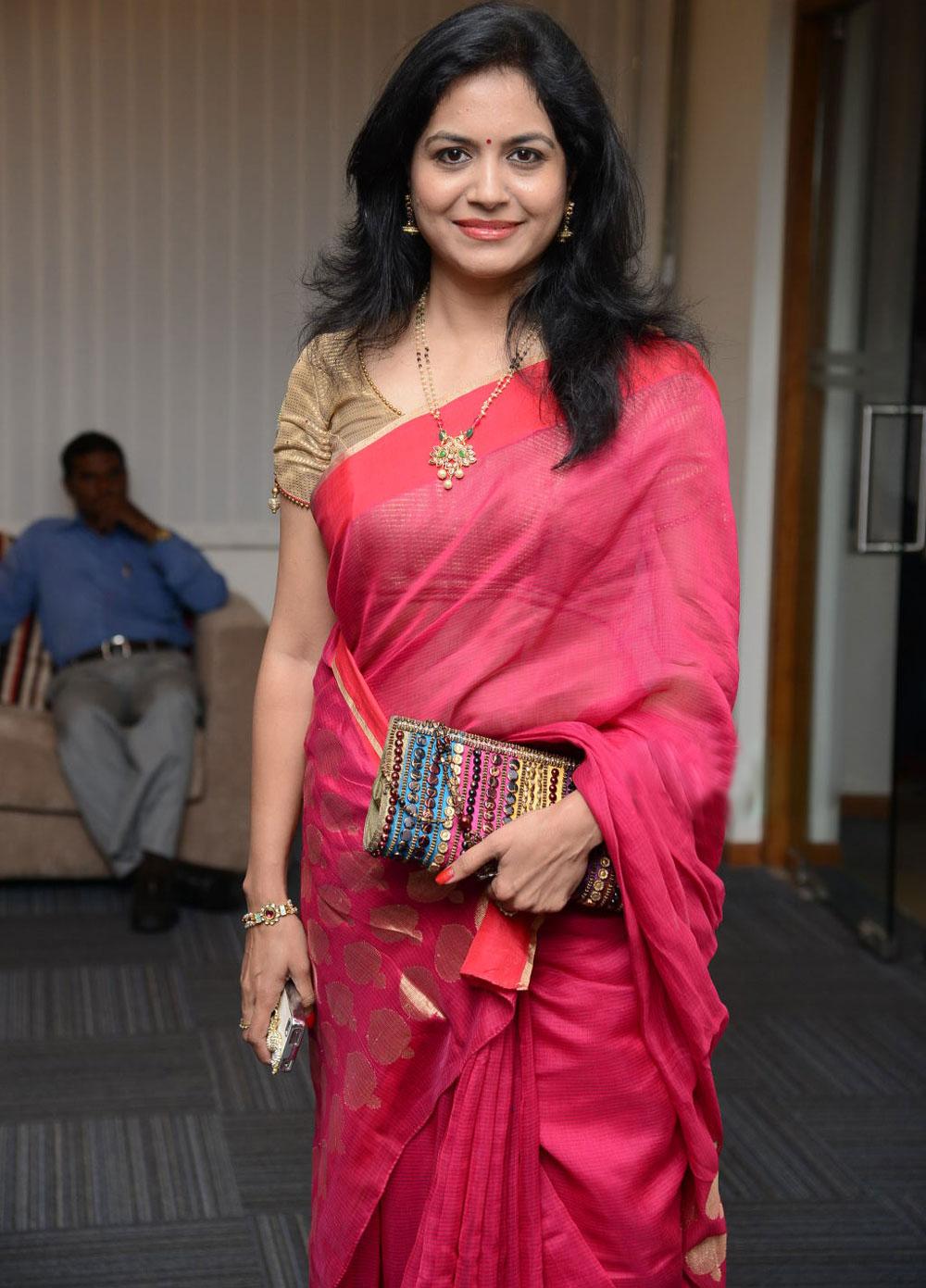 singer sunitha in saree photos