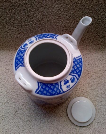 karya babah antik teko keramik biru putih