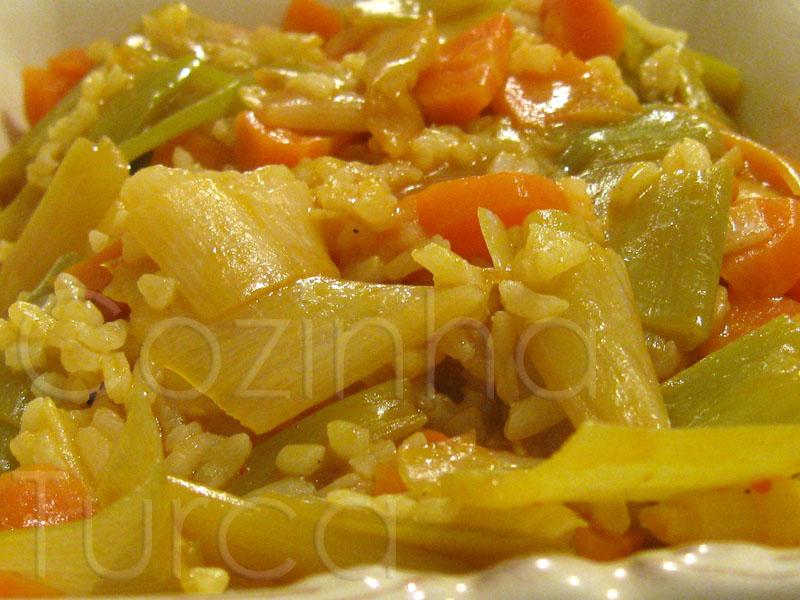 Cozinha turca alho franc s com arroz zeytinya l p rasa for Frances culinario 1