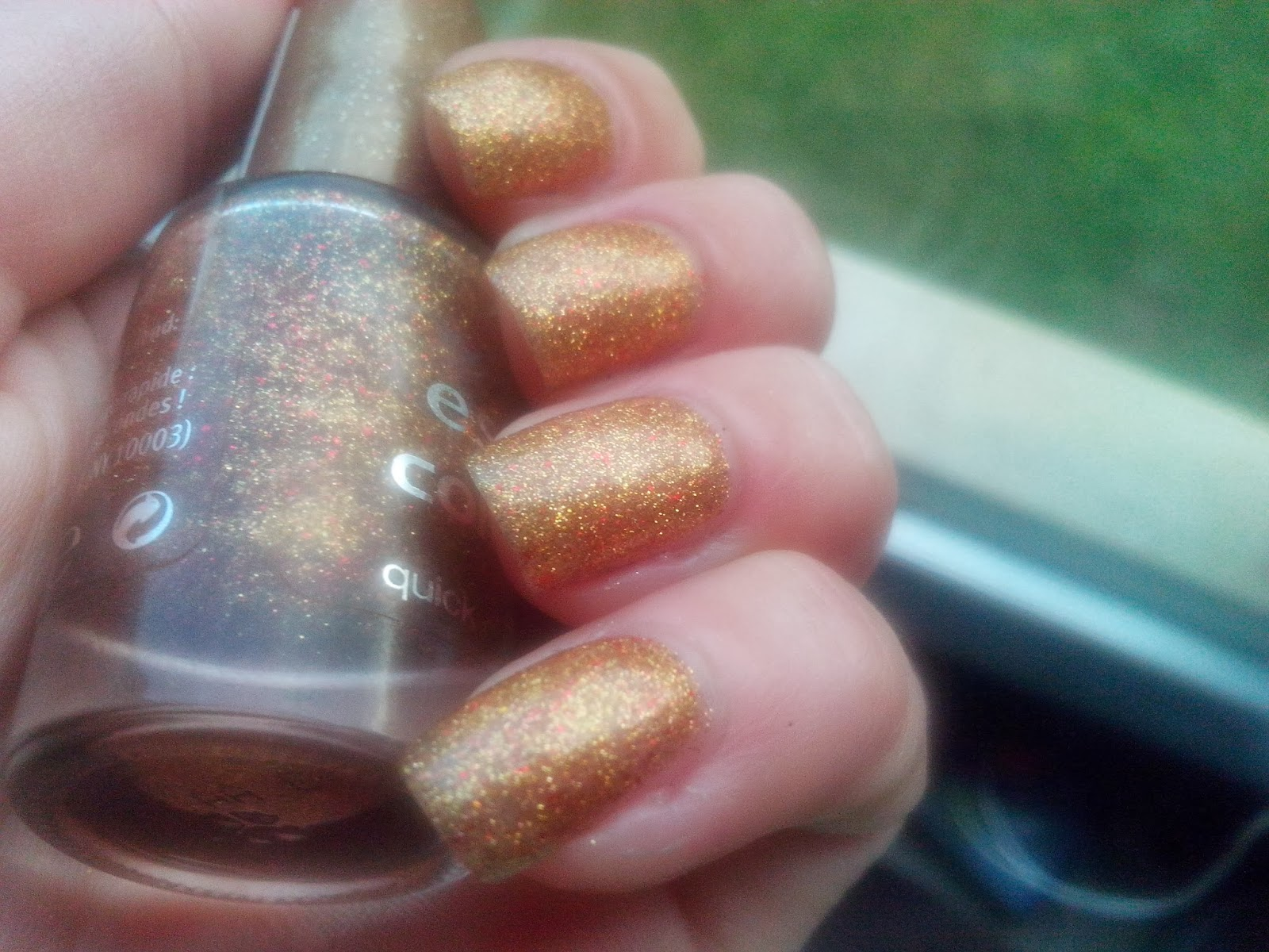 essence-colour-go-gold-fever